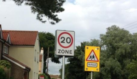 20mph sign Near School